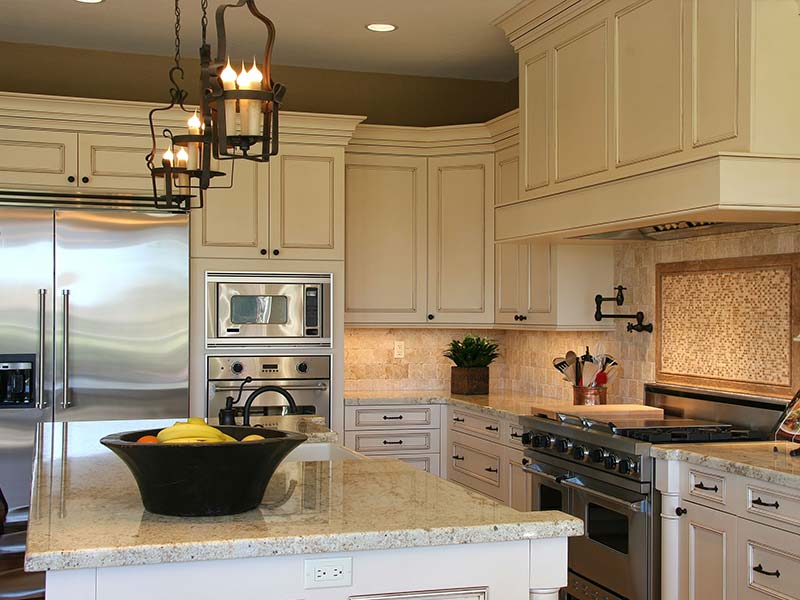 Kitchen cabinet refacing mcmanus cabinet refacing for Remodel kitchen without replacing cabinets